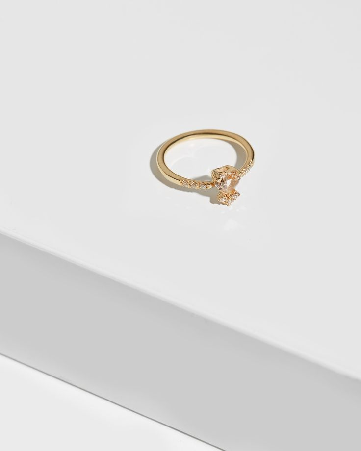 Philtre d'Amour Gold Ring