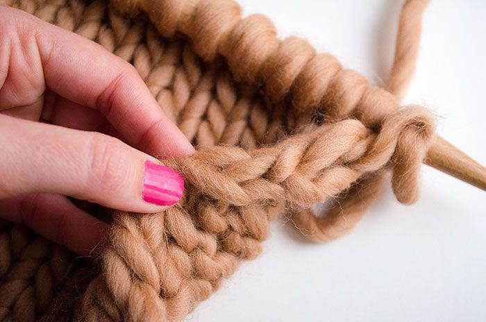Einrollen von Kanten bei Schals zu verhindern