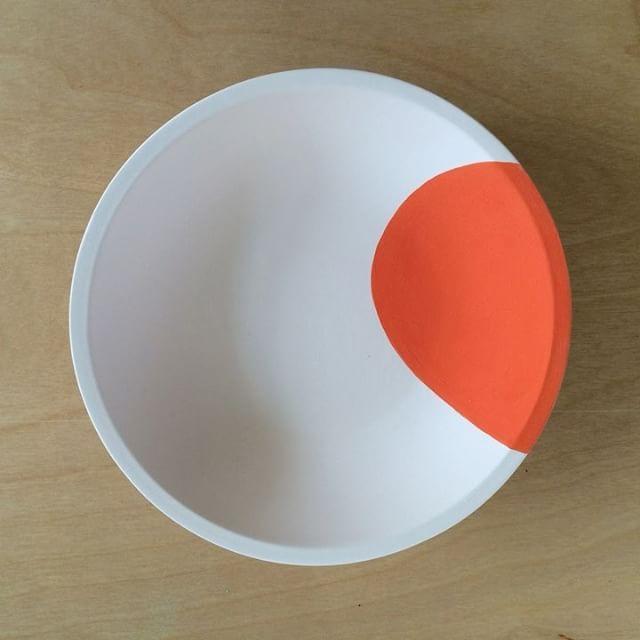 RUDE. (Video) #collaboration #teenpotters #ceramicart #paintingwithunderglazes #ceramics #ceramic #ceramicdecals #ceramicdecal #piadecals #cremerging #lookrookie #contemporaryceramics #keramik #keramiker #poterie #céramique #cerámica #ceramiche #セラミックス #陶器 #陶瓷 #도기류 #도예 #weekendyay #drawing #animation