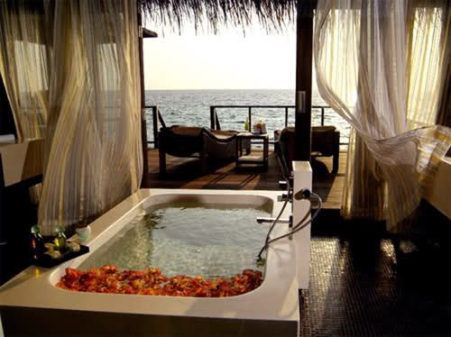 tub looking over the beach = paradise: Dreams Houses, Favorite Places, Need A Vacations, Bath Tubs, The View, The Ocean, Bathtubs, Ocean View, Heavens