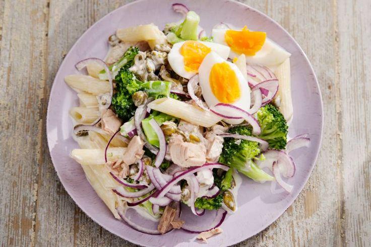 15 november - Tonijn + broccoli + pasta in de bonus - Picknick in het verschiet? Deze smakelijke salade doet het perfect op het kleedje (en ook gewoon thuis op tafel trouwens) - Recept - Allerhande