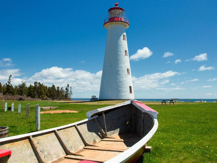 Canada's oldest lighthouse—and one of the country's few round lighthouses—Point Prim occupies a prime perch at the end of a peninsula whose breathtaking views of the Northumberland Strait and Hillsborough Bay make it worth the trek.