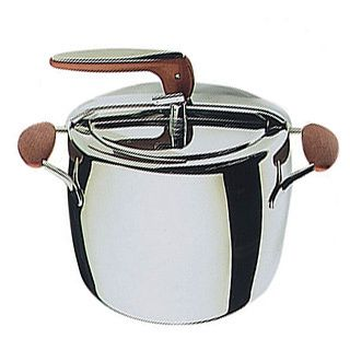 The stainless steel Pressure Cooker by Mepra features elegant design and a contemporary finish. It allows for greater control over your cooking temperatures to allow for a more wholesome and flavorful