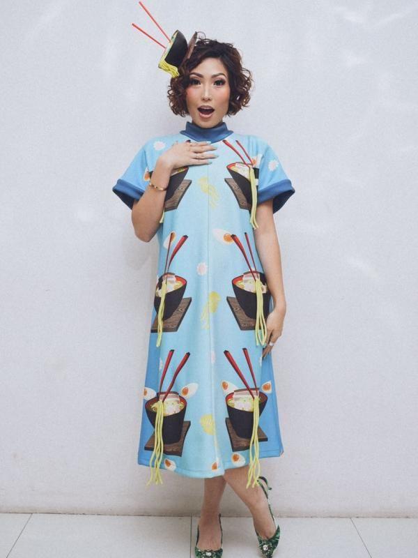 Hamil 4 Bulan, Ayu Dewi Nyaman Pakai Baju Mie Ayam - http://wp.me/p70qx9-7J5