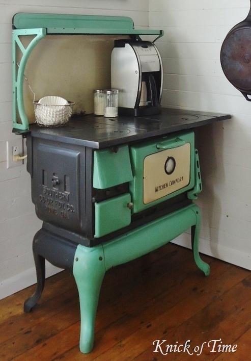 Great old stove! - 245 Best Antique Vintage Stoves Images On Pinterest