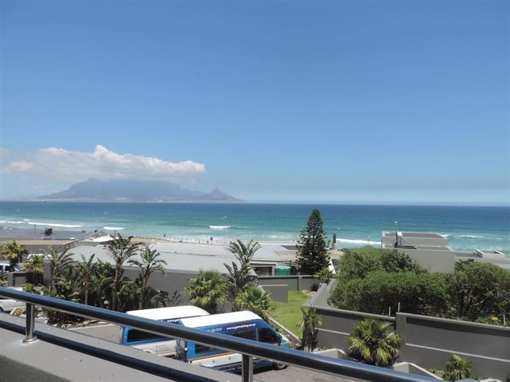 Infinite Ocean View - Infinite Ocean View offers guests a comfortable self-catering apartment with uninterrupted panoramic views of Table Mountain over to Table Bay and Robben Island, from the lounge. The huge balcony of 8 ... #weekendgetaways #bloubergstrand #capemetropole,blaauwberg #southafrica