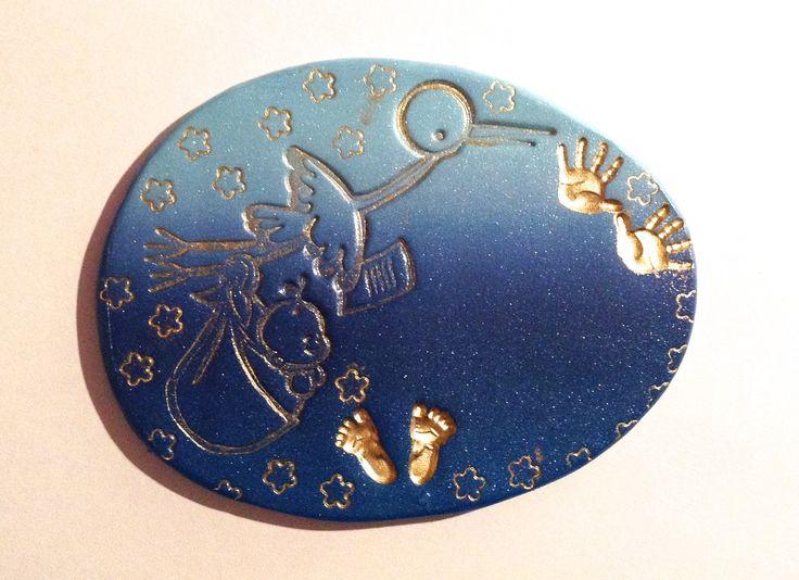 BADGE Soignant INFIRMIERE DE NUIT , sage femme , auxiliaire de puériculture , thème Empreintes dorés CIGOGNE sur fond bleu : Pins, badges par passions-creations