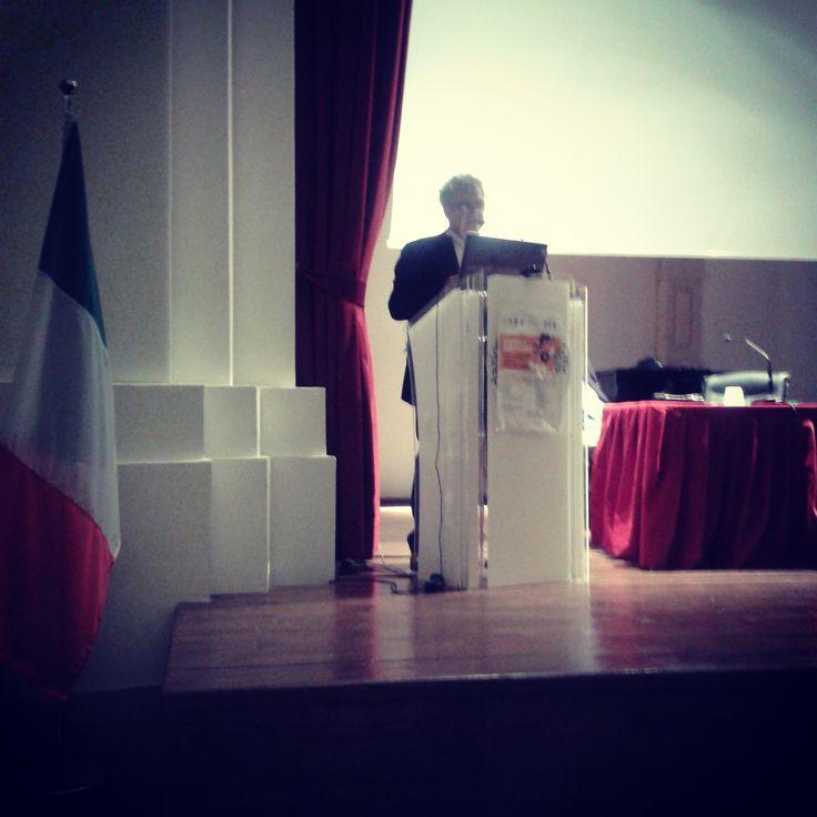 Paul Connet del movimento mondiale Zero Waste ospite in una conferenza a Foggia sui Rifiuti presso l'auditorium Santa Chiara.  Dott. Francesco Caravella, presidente della locale Capitanata Rifiuti Zero.