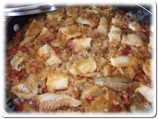 Guiso de patatas, arroz y bacalao - http://www.mytaste.es/r/guiso-de-patatas--arroz-y-bacalao-820414.html