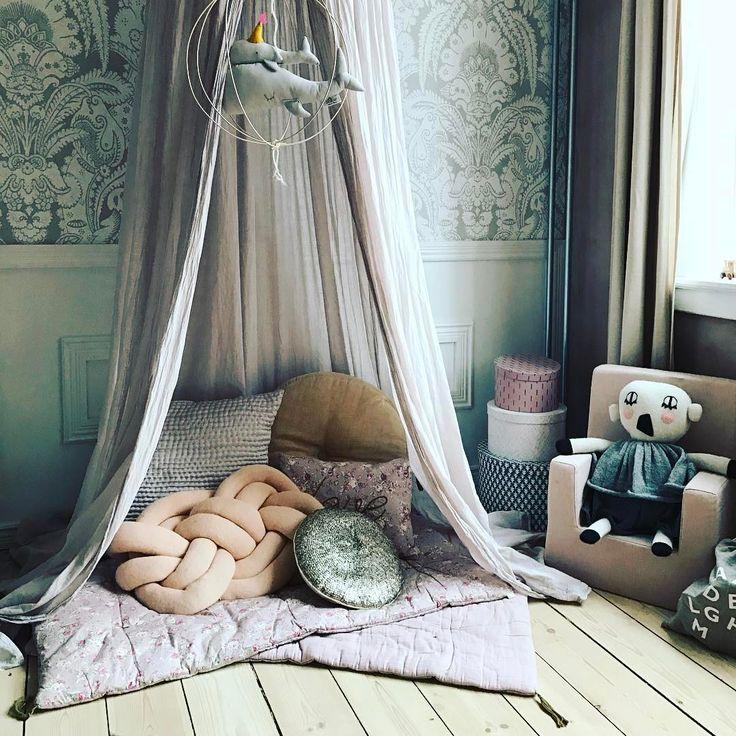 """163 Gostos, 11 Comentários - Sus 🌿 (@suslivingdk) no Instagram: """"Nu hvor alt vores tøj er rykket ned i garderoben, kan jeg endelig blive færdig med noget så skønt…"""""""