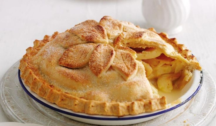 Mary Berry's Apple pie