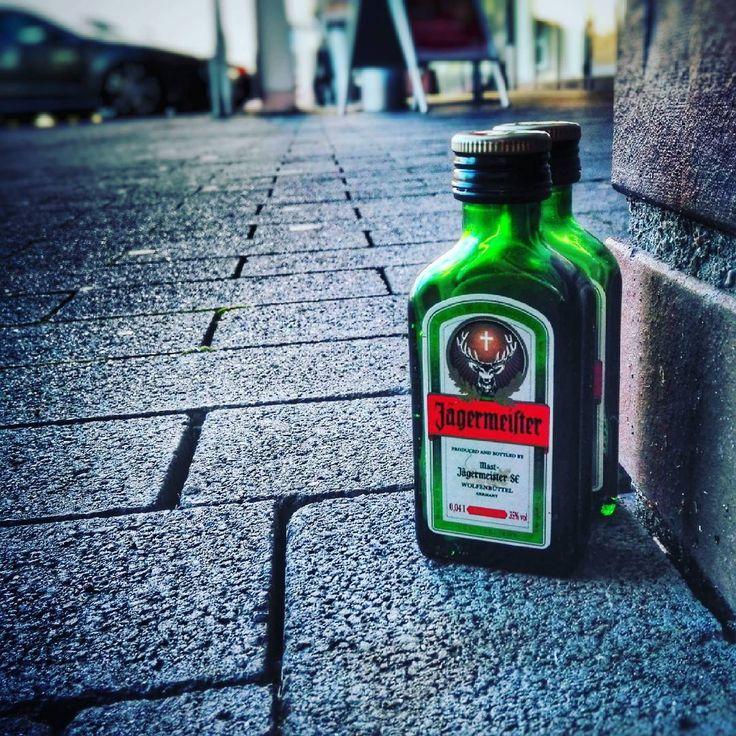 THAT'S a #good #morning 😂 #cheers #couple . . . . . . #jägermeister #wolfenbüttel  #karlsruhe #karlsruhetweets #igerskarlsruhe #liquor #madeingermany #diewocheaufinstagram #instagramde #mykarlsruhe #instakarlsruhe #niedersachsen #drink #drunken #healthy #kräuter #herbs #stag #deutschland @jaegermeisterde #jaegermeisterde #jagerfriends