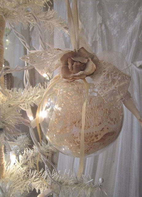 Large Shabby Chic Vintage Lace Ornaments Set door AnneMariePaperie