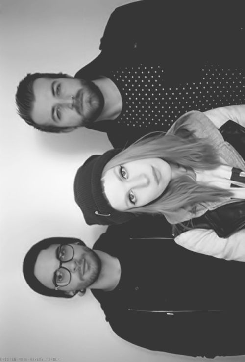 istillloveparamore:    gorgeous band is gorgeous    Like this pic of us!