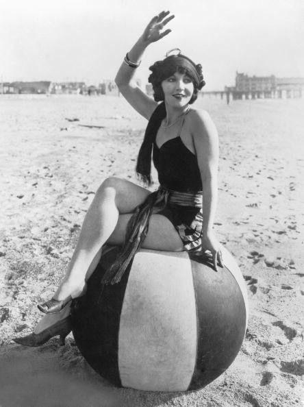 往年の美人女優やスーパーモデルも、写真で振り返る水着の歴史 - GIGAZINE