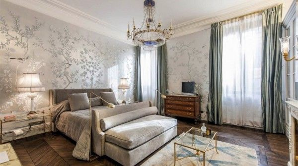 Big cities, big apartments  Waking up is even sweeter in this bedroom like this. Discover this magnificent apartment in Rome.  #luxuryhomes #luxurylifestyle #luxuryapartments #home #rome http://www.luxuryestate.com/p33178241-apartment-for-sale-rome