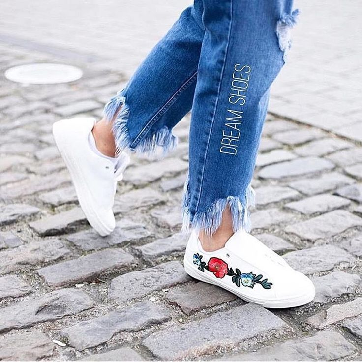 Вышивка на кедах❤️4.400₽ #скоровесна#весна#new#2017#shoes#обувь#шоппинг#онлайншоппинг#vl#vladivostok#владивосток#покупки#onlineshopping#угги#туфли#сумки#shop#vvo#свитер#женскаяодежда#быстраядоставка#минисумка#мода2017#подзаказ