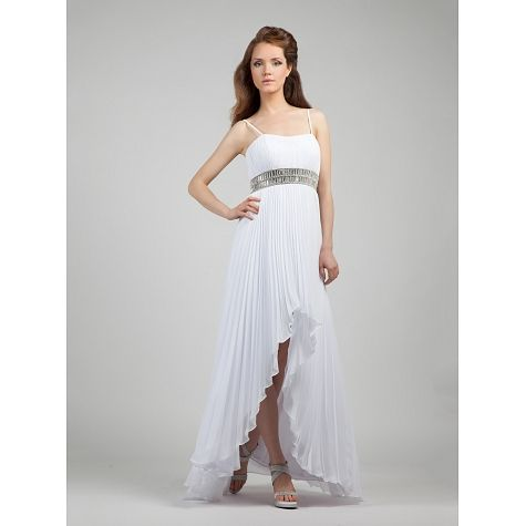 Wedding dress pleated with beading