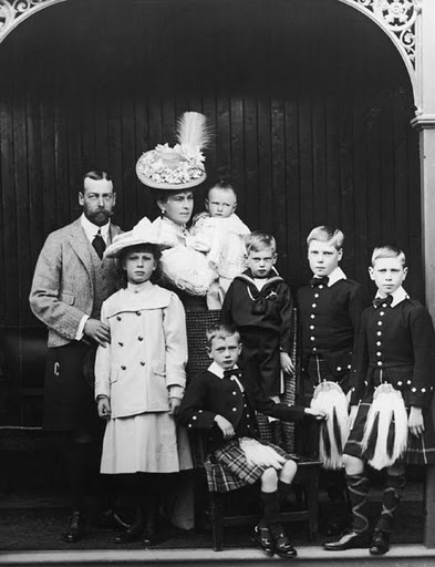 The Prince of Wales (1865 - 1936, later King George V) and family at at Abergeldie Castle, Aberdeenshire, 1906.