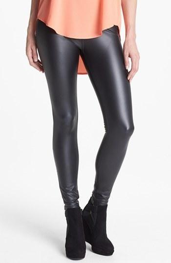 Wardrobe essential: leather leggings