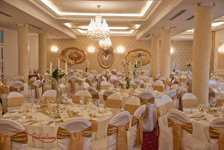 #radmilovac #ballroom #weddings #vencanja #svadbe #dekoracija #chandeliers