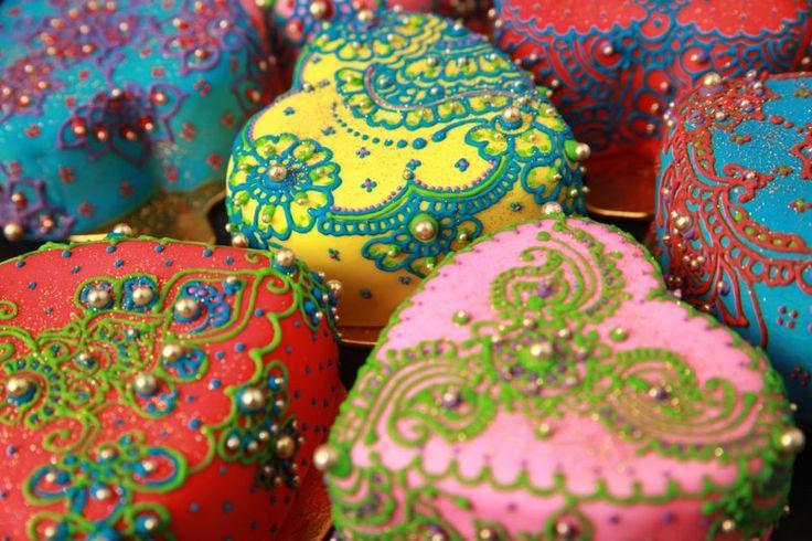 Wedding Cup cakes by henna designer: Ideas, Heart, Cupcakes, Henna Cake, Food, Henna Design, Minis Cake, Henna Tattoo, Little Cake