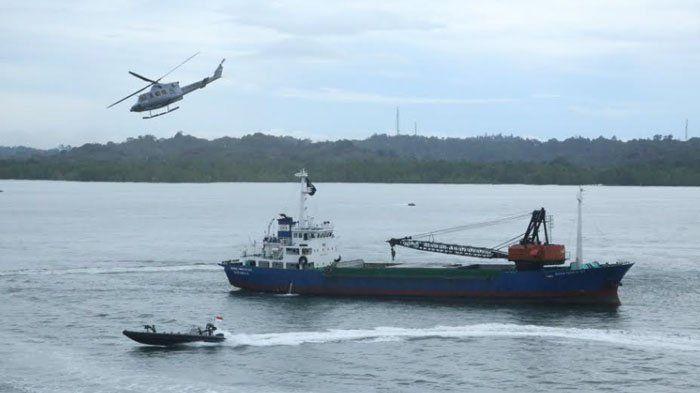 Melintas di Perairan Sulawesi, KM Bunga Teratai Dibajak, TNI Berhasil Bebaskan Sandera Kapal