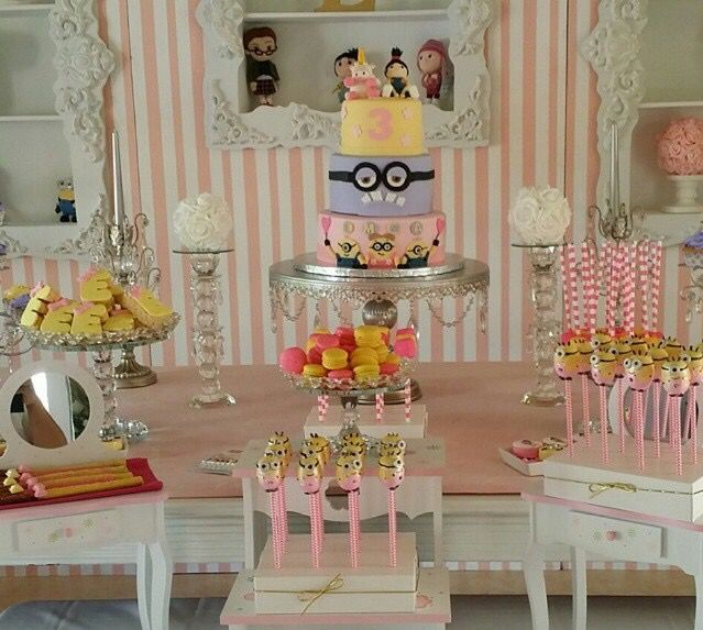Dessert Tablescape   Pink Minion Party #bambinisoiree