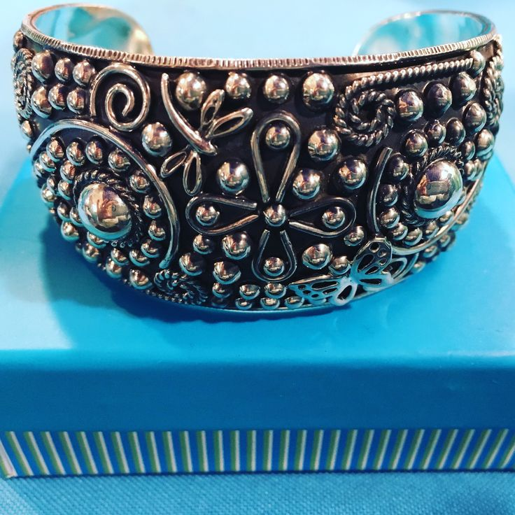 """Sterling silver cuff bracelet $196 includes tax & 2-day US mail; medium size, 2.5"""" wide; height 1&1/4"""" For delivery before Christmas email cloudninesterling@hotmail.com #sterlingsilverjewelry#silvercuffbracelet#jewelryfromTaxco#giftsforher#giftsformom#shoplocalChicago#silverbracelet#sterlingsilver#sterlingsilverbracelet#Taxco#Mexicanjewelry#Mexicansilver#finesilver#finesilverjewelry#finesikverbracelet#silver"""