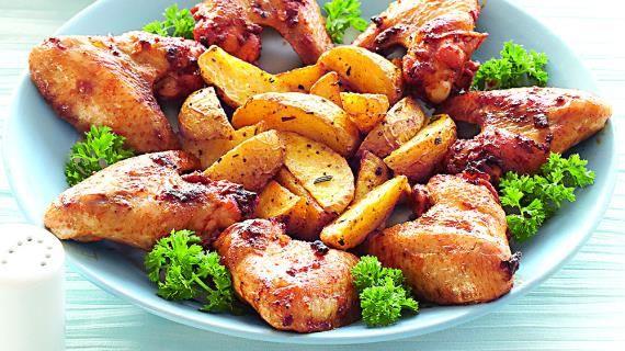 Хрустящие куриные крылышки впряной панировке сзапеченным картофелем. Пошаговый рецепт с фото, удобный поиск рецептов на Gastronom.ru