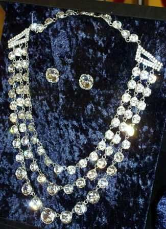 diamond earrings and necklace owned by Queen Victoria  (Captions by Ashley Hedges)