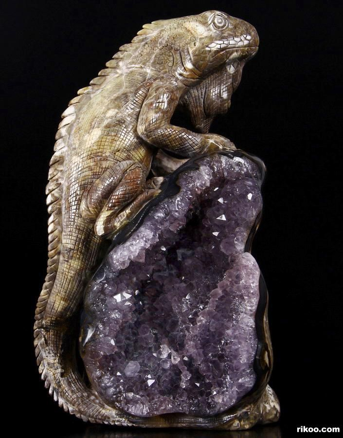 Best mineral carvings images on pinterest crystals
