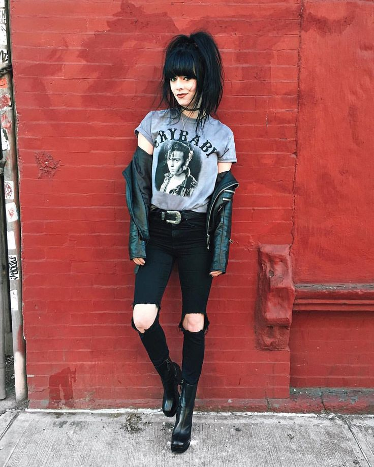 """Pinterest: @MagicAndCats ☾ 14.1 mil curtidas, 115 comentários - Rachel Iwanyszyn  (@jaglever) no Instagram: """"A new crybaby shirt to add to my collection  I just can't resist. Plus this one has johnny depps…"""""""