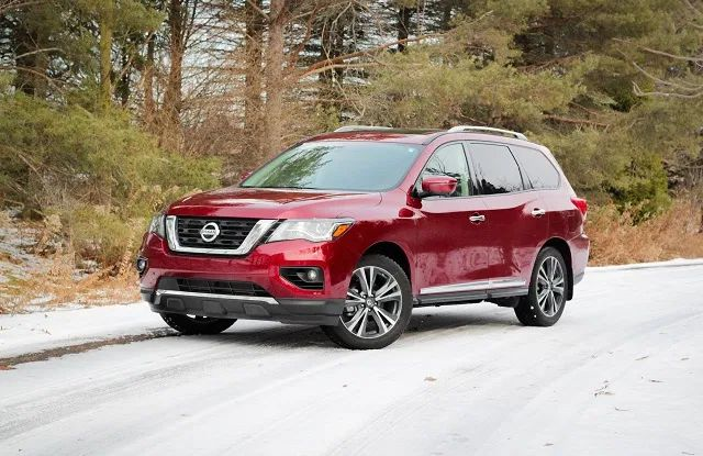 2021 Nissan Pathfinder Still Has A Lot To Offer 7 Seater Suvs