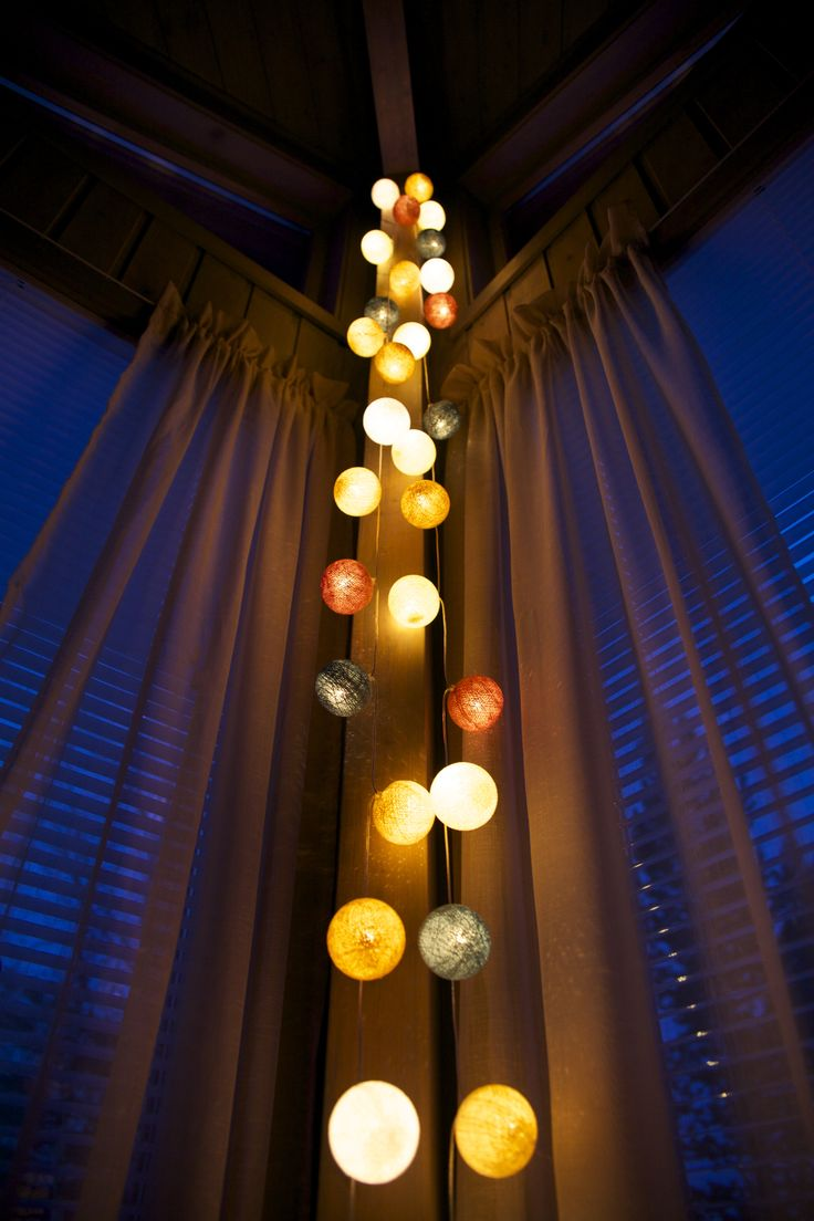 Cotton-lightballs Foto: Elisabeth Johnsen