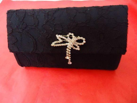 Bolsa de Renda feita com caixa de leite!  bolsa de festa pode ser usada como carteira, disponível nas cores, preta e branca R$ 29,99