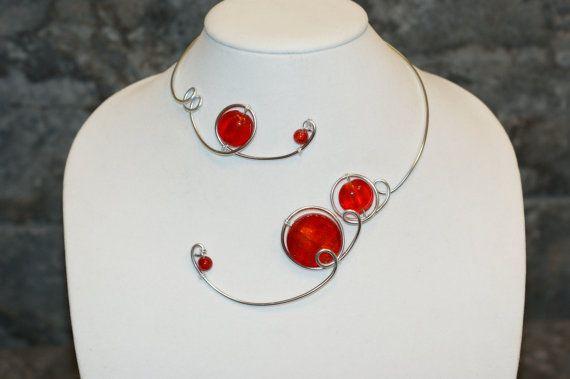 Wedding jewelry  Red open collar necklace  par LesBijouxLibellule, $25.00