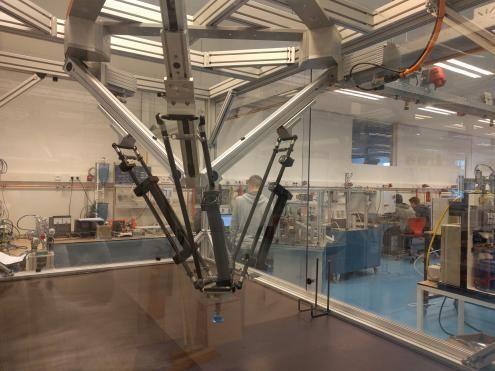 Festo schenkt Tripod pick-and-place robot aan Tech College - http://visionandrobotics.nl/2016/04/14/festo-schenkt-tripod-pick-and-place-robot-aan-tech-college/