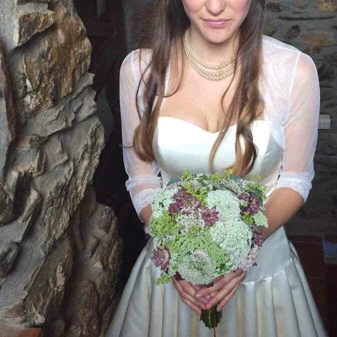 #bridalbouquet #wedding #bride #floral #ramodenovia #novia #boda #flores #flowers #flowerarrangement #sauvage #sauvageflowers #achilea #bouquet #laiaclaramunttallerfloral #sabadell #barcelona