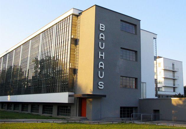 Histórias e origens da escola Bauhaus Design, essa que foi pioneira no design mobiliário clássico mundial.