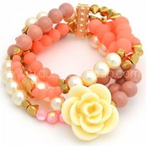 Pulsera Coral Flor www.dulceencanto.com #accesorios #accessories #aretes #earrings #collares #necklaces #pulseras #bracelets #bolsos #bags #bisuteria #jewelry #medellin #colombia #moda #fashion