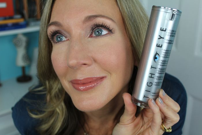"You guys know that I'm always on the hunt for an under-eye wrinkle treatment that actually works so I love to try products with new and different ingredients or delivery methods hoping to find ""The ONE""! Enter TightEye from ScienceSerum*, a new under eye treatment that promises to tighten, firm, brighten and smooth …"