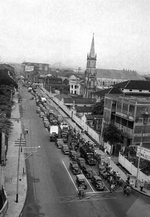 Traffic congestion at junction of Victoria Street and Stamford Road (c1951).   THE LIBYAN Esther Kofod www.estherkofod.com