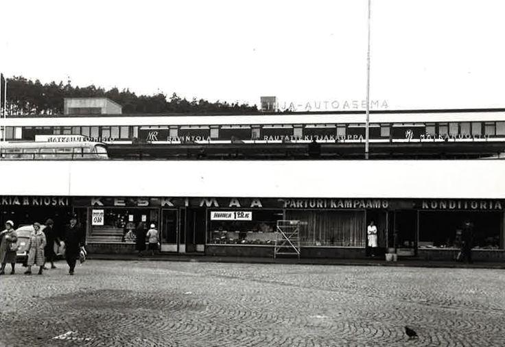 Jyväskylässä sijainnut Torimyymälä vuonna 1965