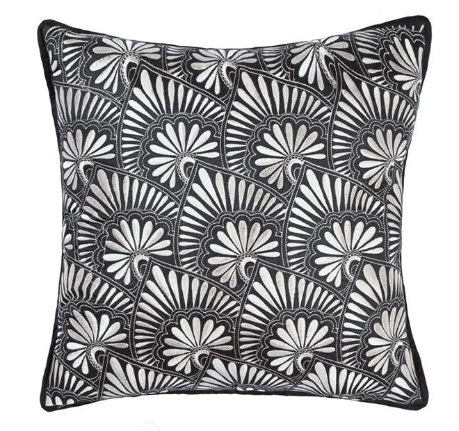 linen-house-pondichery-quilt-cover-set-range-ebony