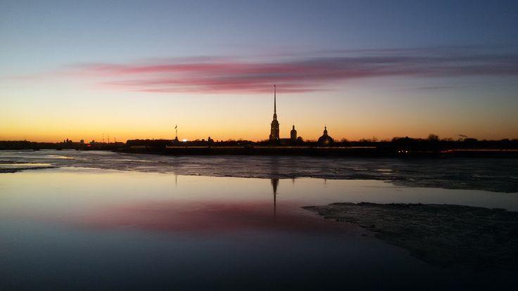Петропавловская крепость на закате. Peter and Paul Fortress on the sunset.