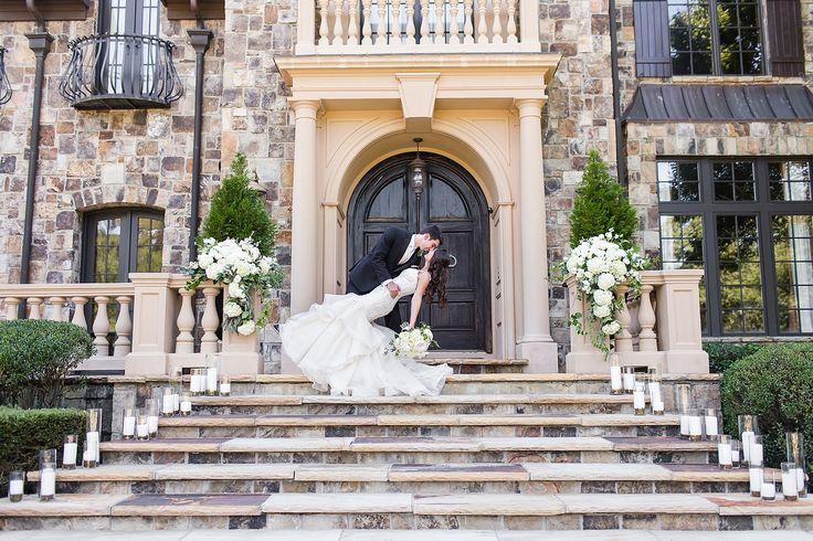 Castle-like mansion wedding venue in Georgia. So obsessed ...