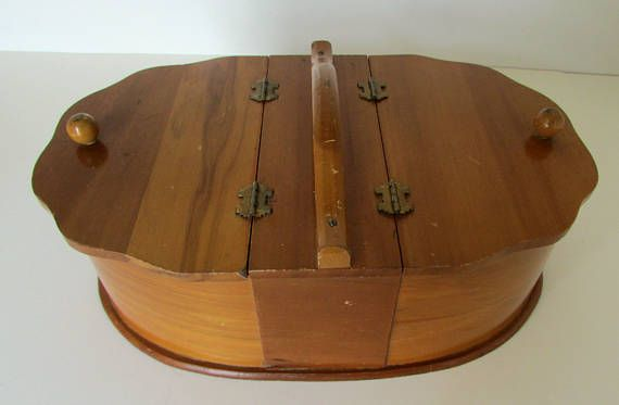 Vitage Wooden Sewing Box Sewing Caddy for Spools thread