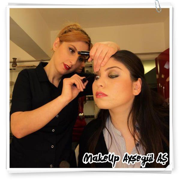 Profesyonel Makyaj, Kalıcı Makyaj, Sahne Makyajı, Kaş Tasarımı, Medikal Makyaj Uzmanı ve Makyaj Eğitmeni Ayşegül AŞ #aysegulas #ayşegülaş #günlükmakyaj #doğalmakyaj #sademakyaj #makyaj
