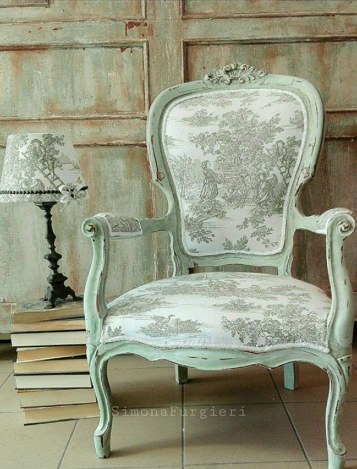 Chair. Poltrona e lampada in toile de jouy verde